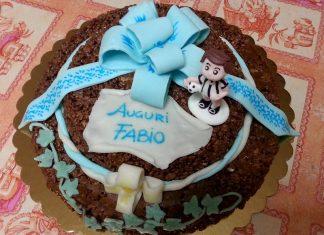 Torta Mars una torta di compleanno senza cottura a due piani decorata