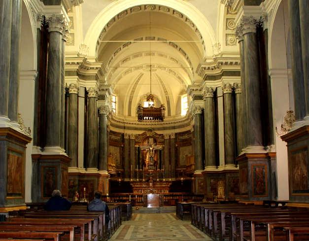 Interno del Duomo di Vercelli