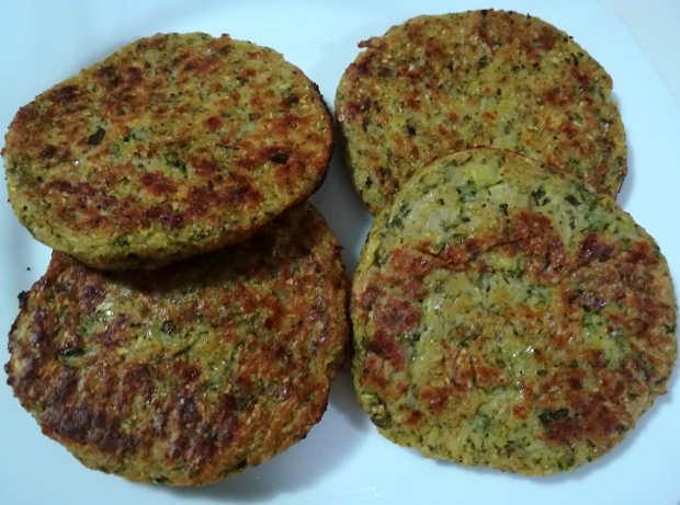 Ricetta Burger di zucchine e patatine al forno arrosto come fritte