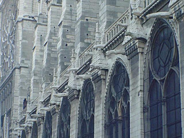 La gargouille (in italiano garguglia o gargolla) Gargoyle di Notre-Dame