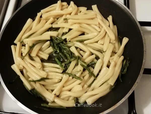 Preparazione Caserecce con asparagi freschi