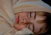 Pipì a letto: quando e come intervenire