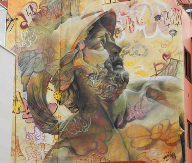 Il murales Urban Warriors di Pichi&Avo al Puerto Street Art