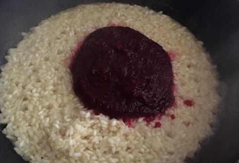 Preparazione Risotto alla barbabietola rossa con scamorza affumicata 4
