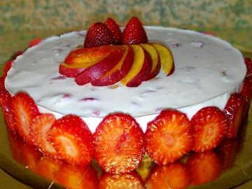 Cheesecake alle fragole e pesche