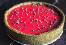 Cheesecake all'anguria con crema di pistacchio