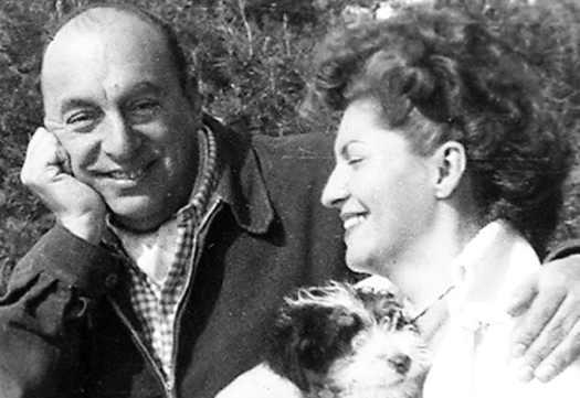 Matilde Urrutia e Pablo Neruda con poesie