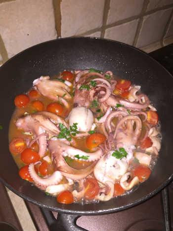 Preparazione Spaghetti senza glutine con moscardini vongole e cozze 5