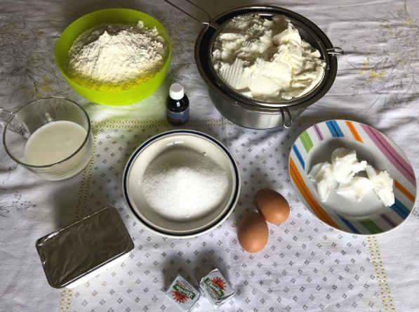 Ingredienti Brioche nuvole ripiene con ricotta e panna