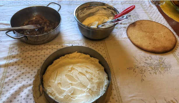 Ingredienti Crostata con mele cotte ricotta e panna