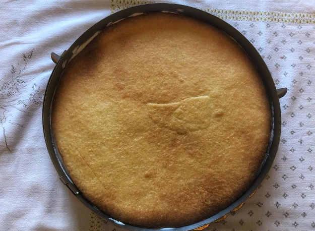 Preparazione della Crostata con mele cotte ricotta e panna 2