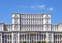 Il palazzo del Parlamento di Bucarest, l'edificio più pesante del mondo