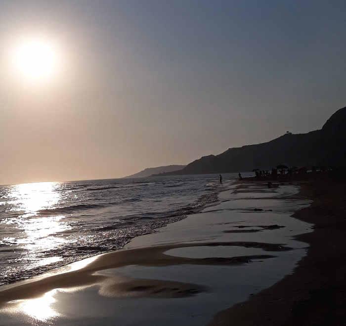 Tramonto sulla bellissima spiaggia di Siculiana