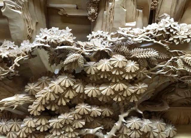 Particolare intaglio in legno