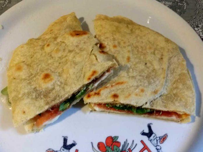 2 Piadine fatte in casa senza strutto la ricetta semplice e veloce