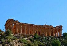 La bellissima città di Agrigento e la sua incantevole Valle dei templi