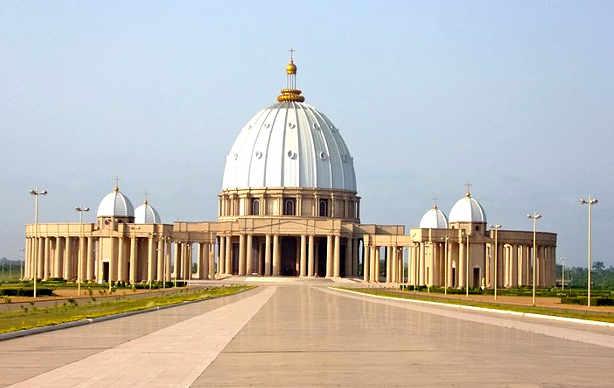 Basilica di Nostra Signora della Pace a Yamoussoukro 2