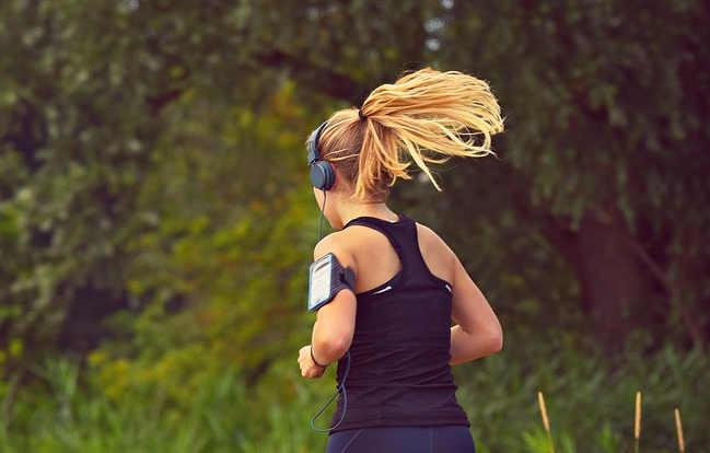 La musica migliora la performance sportiva