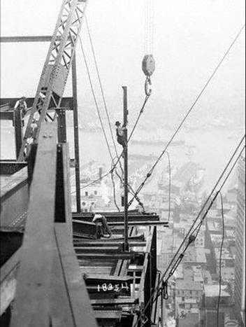 Lavori in cima al Grattacielo Rockefeller Center Foto 11