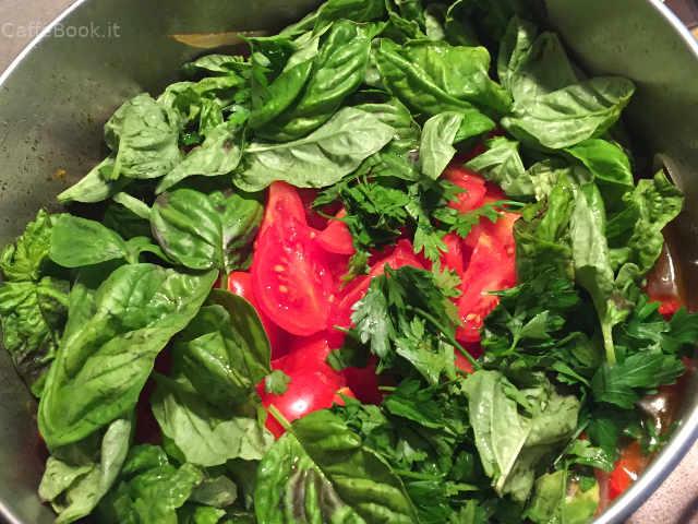 Preparazione Composta di peperoni rossi tondi ricetta pugliese semplice