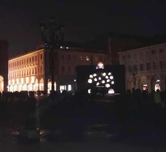 Miracola di Roberto Cuoghi per Luci d'artista a Torino: Spegnimento