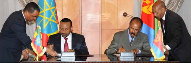 Presidente Isaías Afewerki (Asmara, Eritrea) e il primo ministro Abiy Ahmed Ali firmano la Dichiarazione congiunta di pace e amicizia