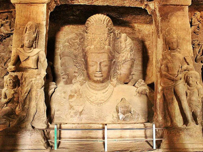 Le Grotte di Elephanta in India