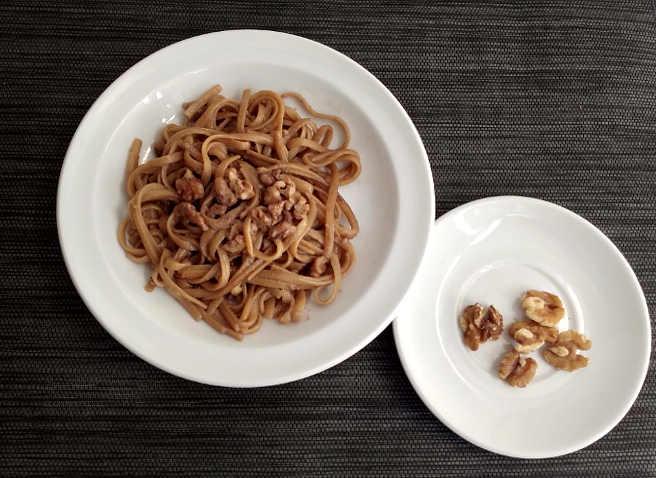 10 gherigli per la pasta con le noci latte e brie