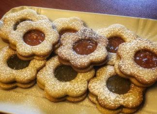 Biscotti frollini con marmellata di arance e mandorle ricetta semplice