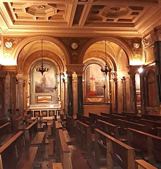 Interno della Basilica e Santuario di Maria Ausiliatrice a Torino 3