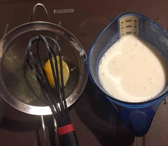 Latticello per Red Velvet Cupcake senza glutine con frosting