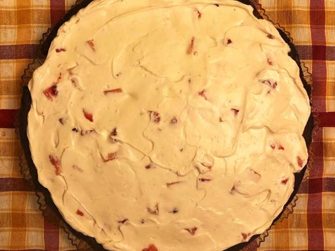 Preparazione per la Crostata Mimosa crema di Ricotta e fragole