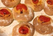 Panini di Semola Rimacinata con Pomodoro e Olio ricetta fatti in casa