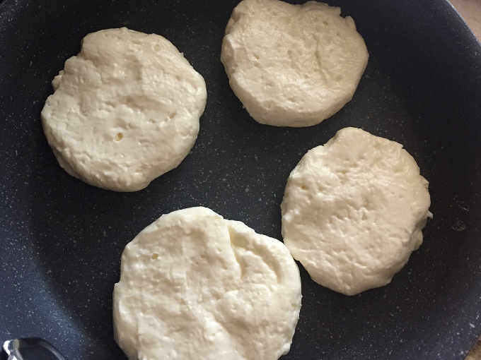Preparazione delle 4 Pizzette con ricotta senza glutine