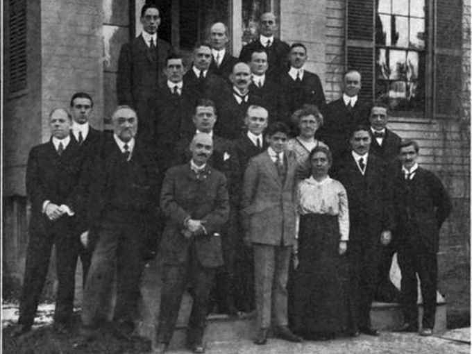 Incontro dell'AAVSO (American Association of Variable Star Observers) 1916 una delle due donne presenti è Annie Jump Cannon