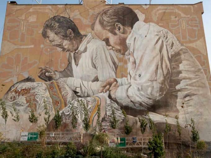 Il Murales gigante di Guido van Helten a Teheran, Iran