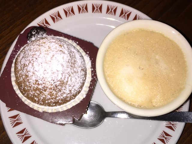 I Muffin Senza Burro e Senza glutine morbidissimi con confettura di ciliegie