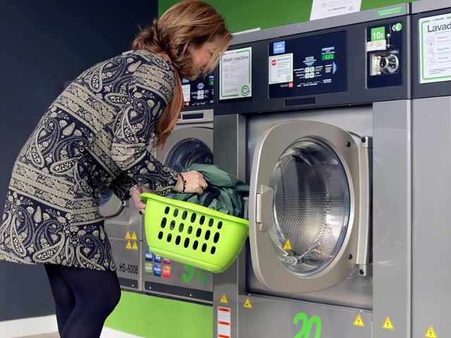 La microplastica nella lavatrice nei capi in fibre sintetiche