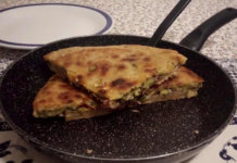 Torta di zucchine in padella senza uova e senza burro