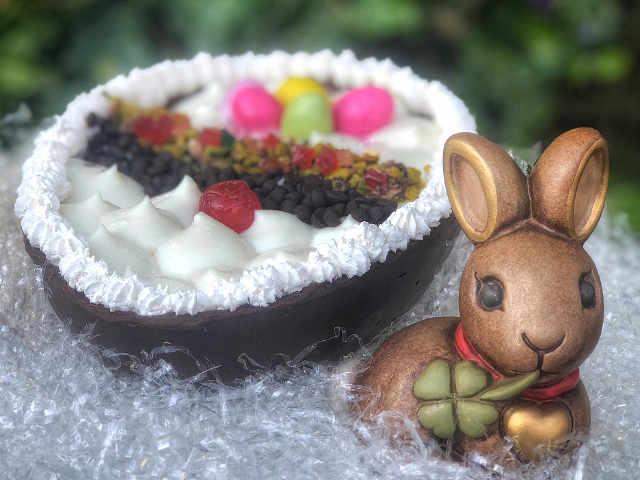 Ingredienti dell'Uovo di Pasqua con crema di ricotta e Colomba