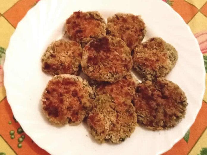 Polpette di fagiolini senza uova morbide e gustose