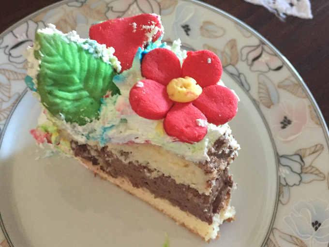 Ricetta della Torta con crema diplomatica al cioccolato e biscotti di biancafrolla