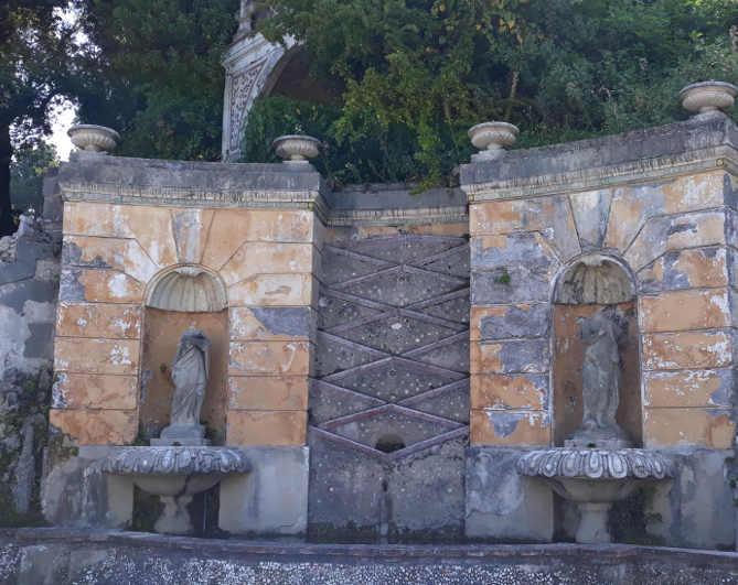 Particolare del giardino di Villa d'Este a Tivoli