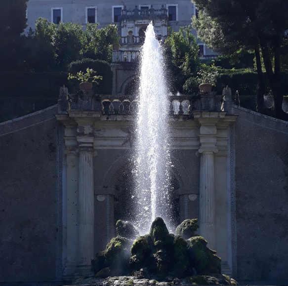 Fontana nel Giardino di Villa d'Este a Tivoli 7
