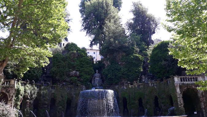 Fontana dell'ovato a Villa d'Este