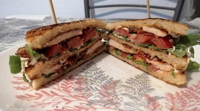 Club sandwich ricetta con pollo bacon squisitissima