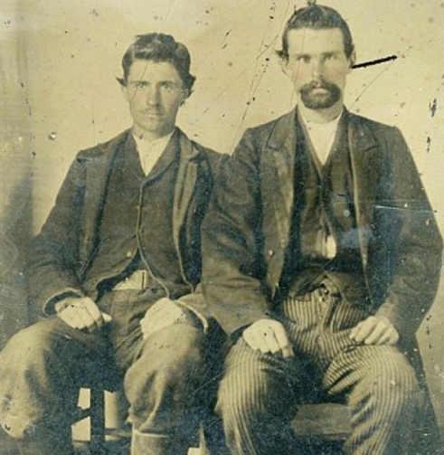 la foto di Jesse James con il suo assassino Bob Ford