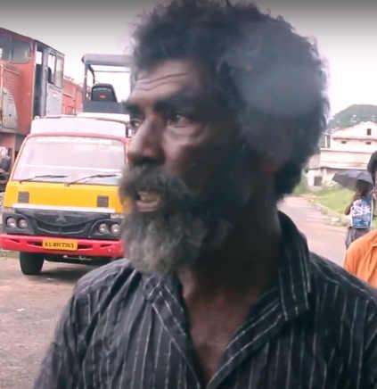 Artista senzatetto che usa colori naturali nello stato del Kerala