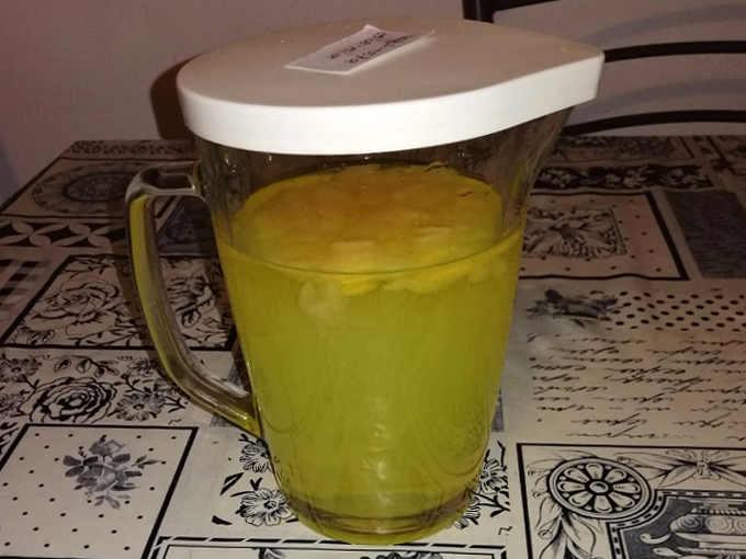 Limoncino limoncello ricetta semplice fatta in casa