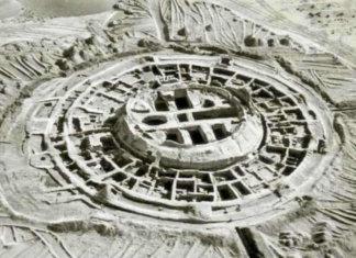 La fortezza di Koi Krylgan Kala costruita per guardare il sorgere delle Pleiadi